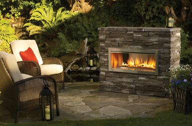 Outdoor Fireplace and Pateo
